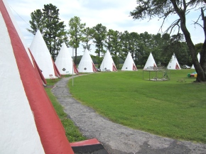 Roadside Americana: Sleep in A Wigwam!
