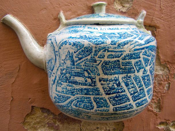 Teapot with map