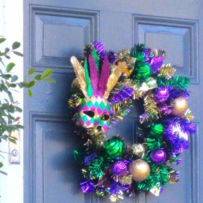 mardi-gras-wreath