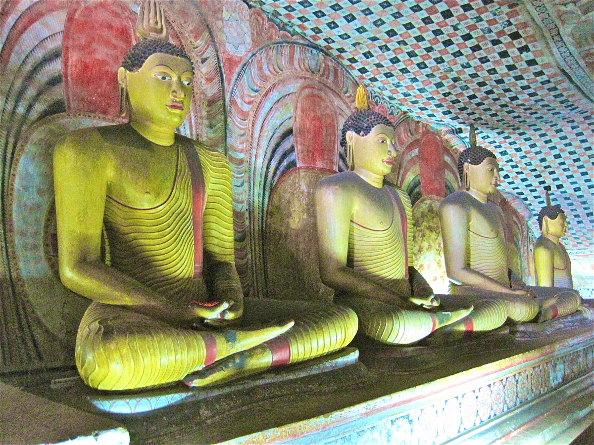 Dambulla's Amazing Cave Temples