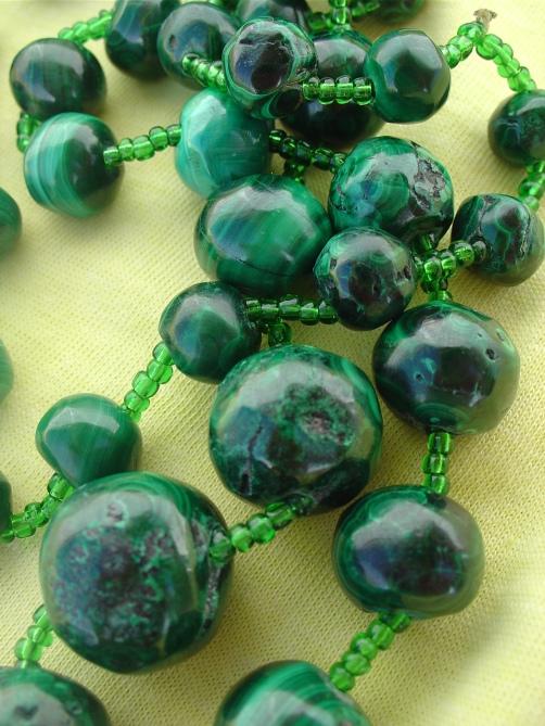 Malachite_bead_necklace