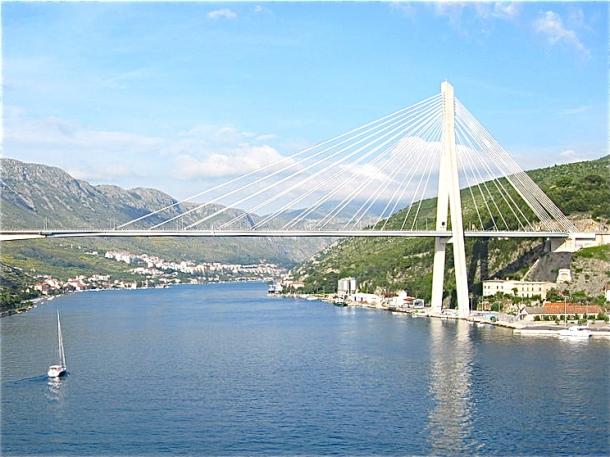 Bridge by Will Bakker