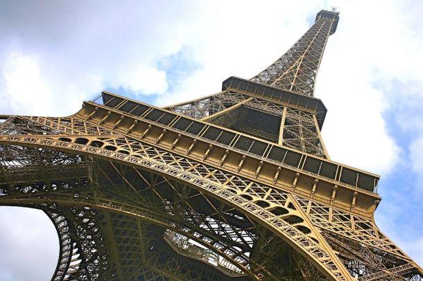Eiffel Tower FI
