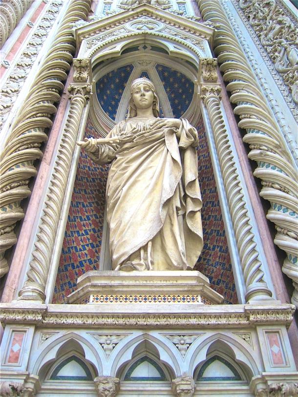 Duomo Statue