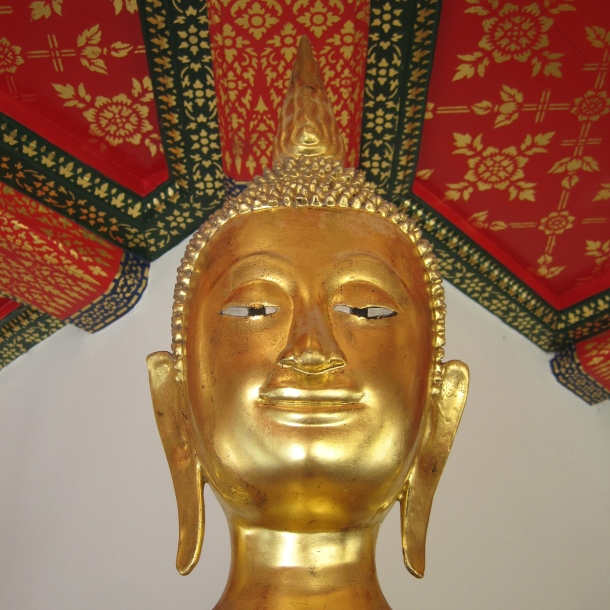 Red Ceiling w Buddha, Golden Palace