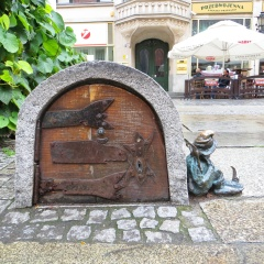 Sleepyhead's tiny Hobbit hut