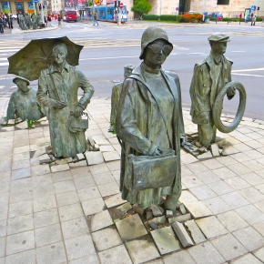 Wroclaw's Anonymous Pedestrians: Memories of Martial Law