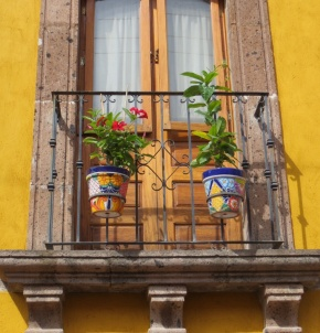 Clay, Color and Creativity: Artisan Pottery in SanMiguel