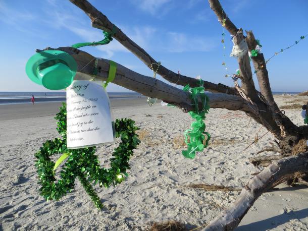 SSI Beach Totem