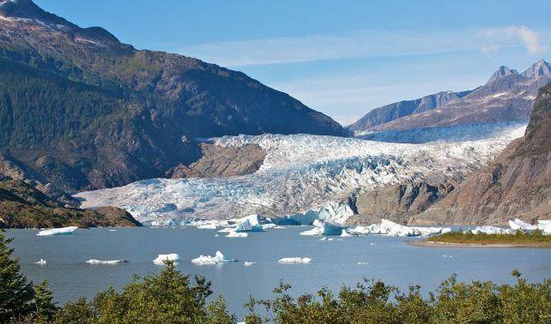 Mendenhall_Glacier_(Alaska)