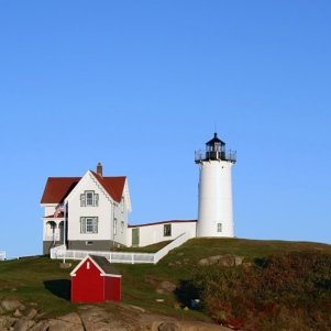 Cape_Neddick_Lighthouse,_Maine by Dawn