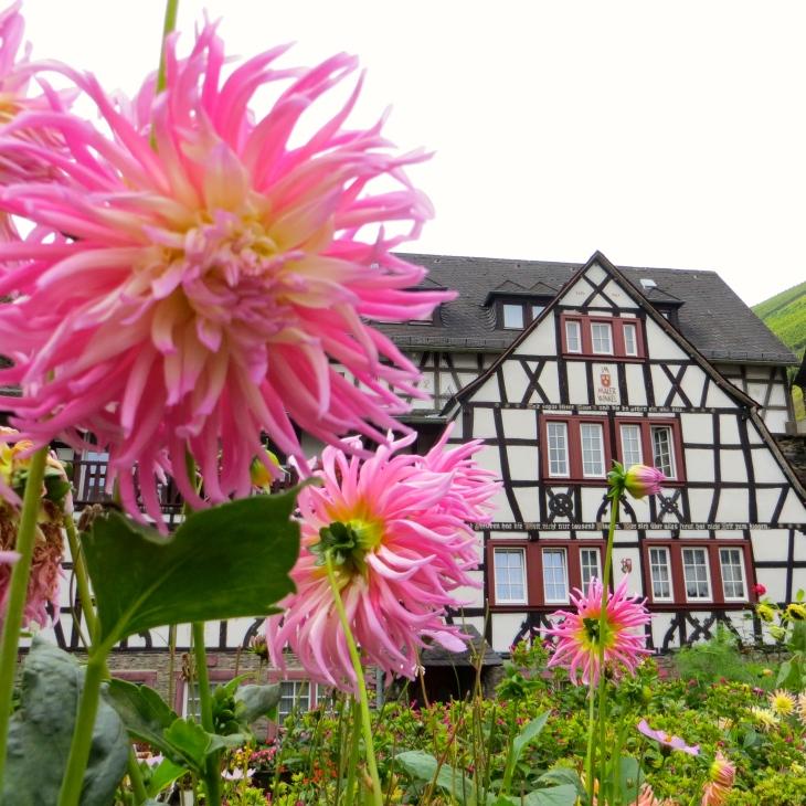 Flower Cottage FI