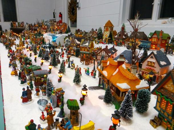 Urania's Dickens Village 3