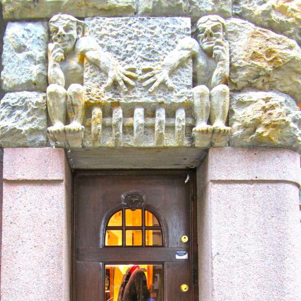 helsinki-little-door