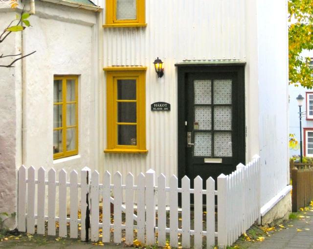 Small Corrugated House SL