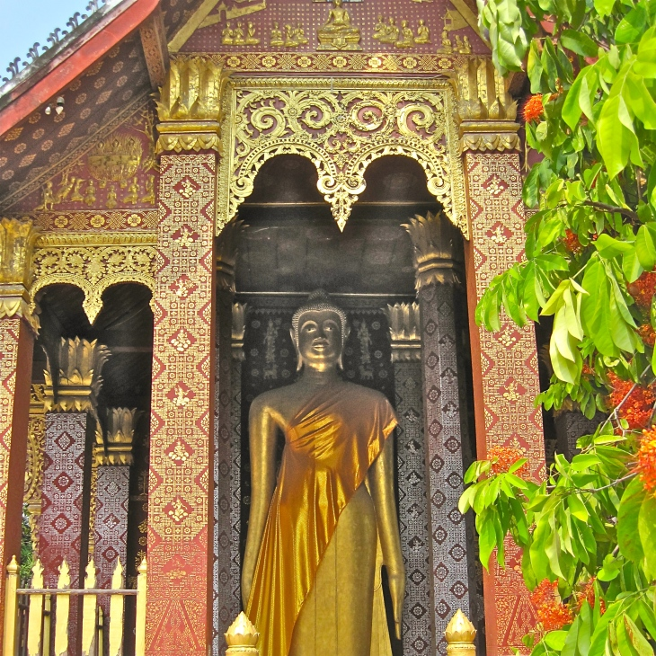 Buddha in Pavillion