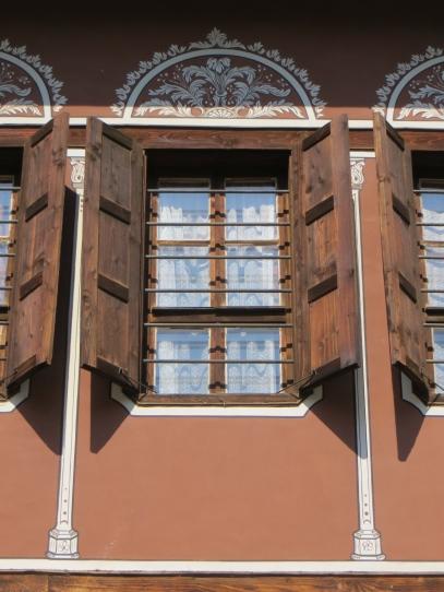 Rust House Windows