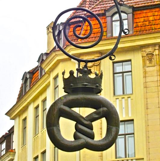 pretzel-sign
