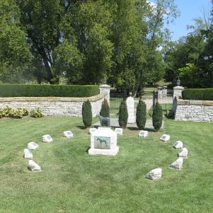 grave-circle