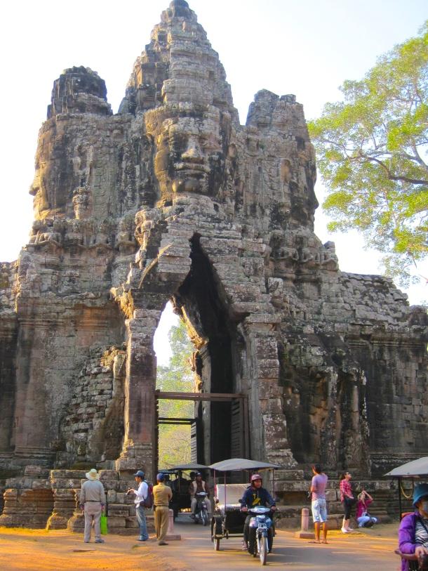 bayon-gate