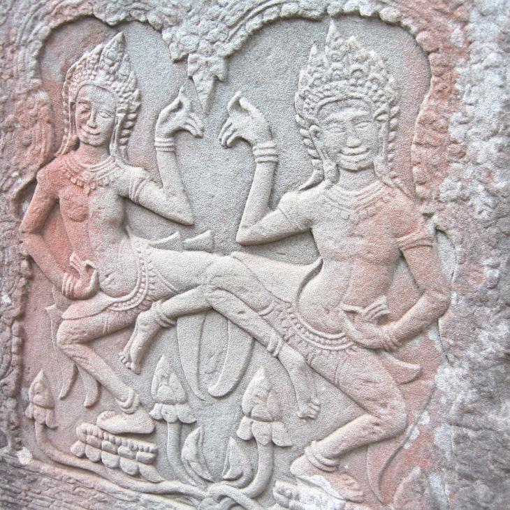 dancers-bas-relief