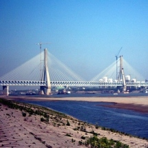 Tianxingzhou-Yangtze-River-Bridge-in-China