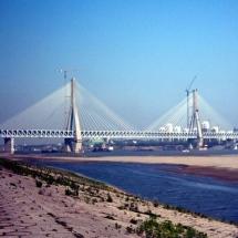 Tianxingzhou-Yangtze-River-Bridge-in-China