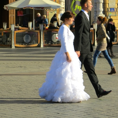 Strolling newlyweds in Krakow.