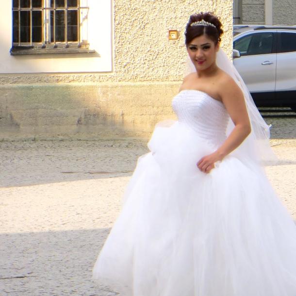 munich-bride-at-the-nymphenberg-palace