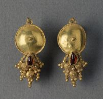 Roman gold earrings
