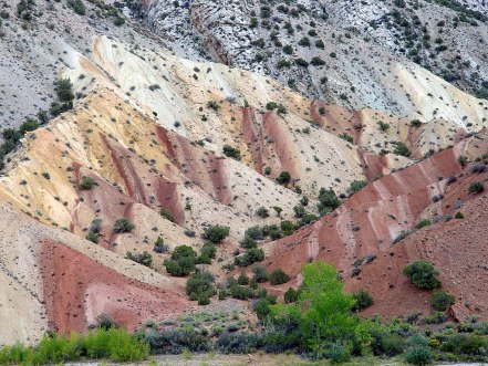 Colorful and fascinating geology of Dinosaur National Monument