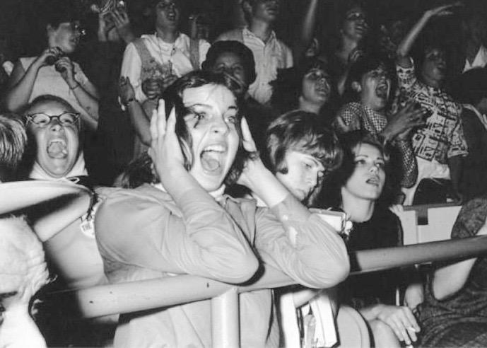 Screaming Beatles Fans – GALLIVANCE